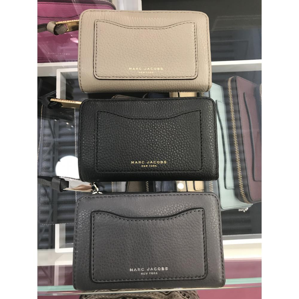 【Marc Jacobs】M0008172 RECRUIT COMPACT WALLET 二つ折り 1