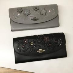 【COACH】フローラル エンベロープ長財布 slim envelope wallet with floral tooling F38666
